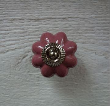 Bild von Möbelknopf rosa Blumenform