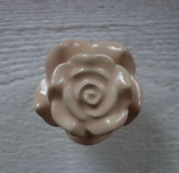 Bild von Möbelknopf Rosenform