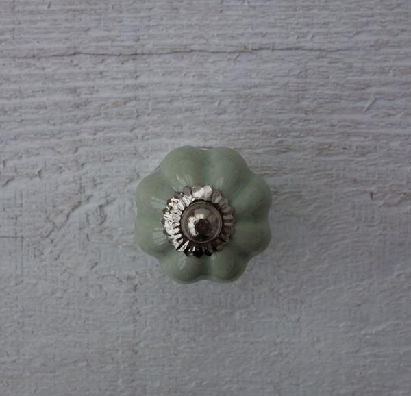Bild von Möbelknopf Blume mintgrün pastell