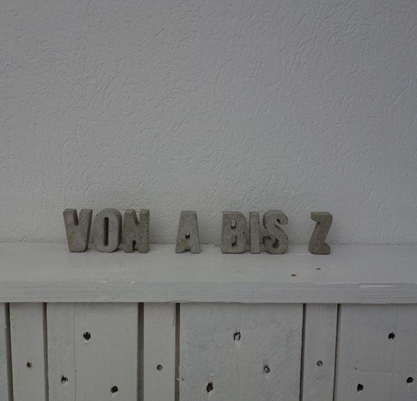 Bild von Beton-Buchstaben