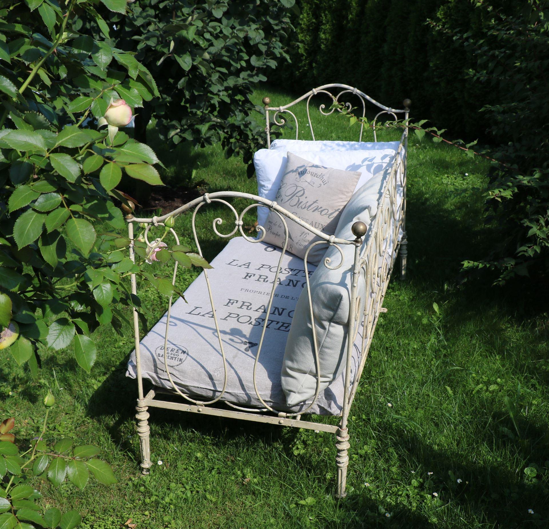 shabbyllity antikes franz sisches kinderbett. Black Bedroom Furniture Sets. Home Design Ideas