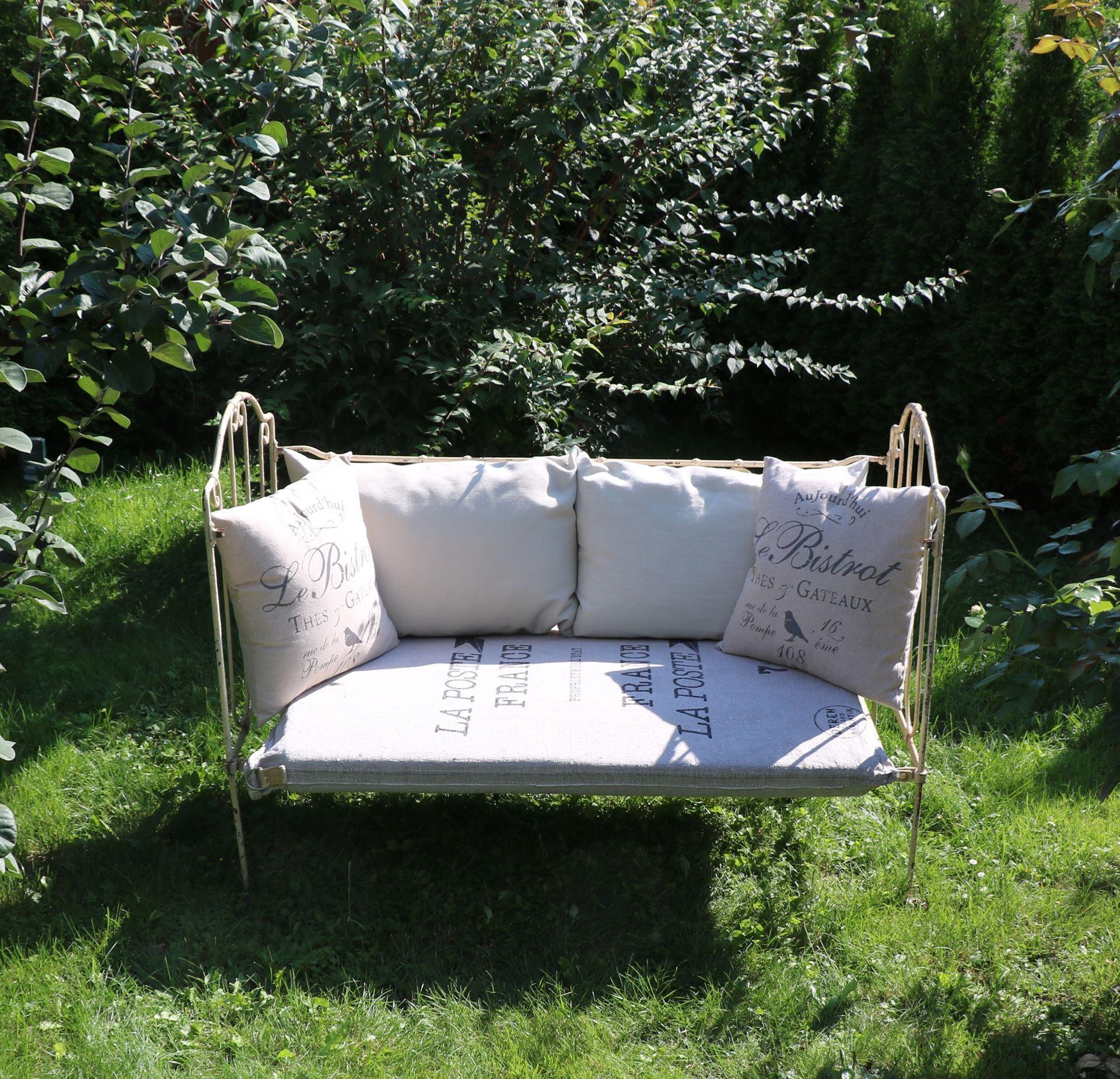 shabbyllity antikes franz sisches kinderbett schlicht. Black Bedroom Furniture Sets. Home Design Ideas
