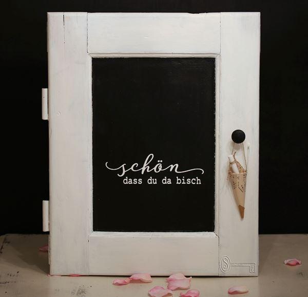 Bild von Alte Tür mit Chalkboardtafel