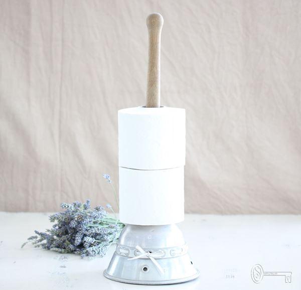 Bild von Wäschestössel als WC-Rollenhalter