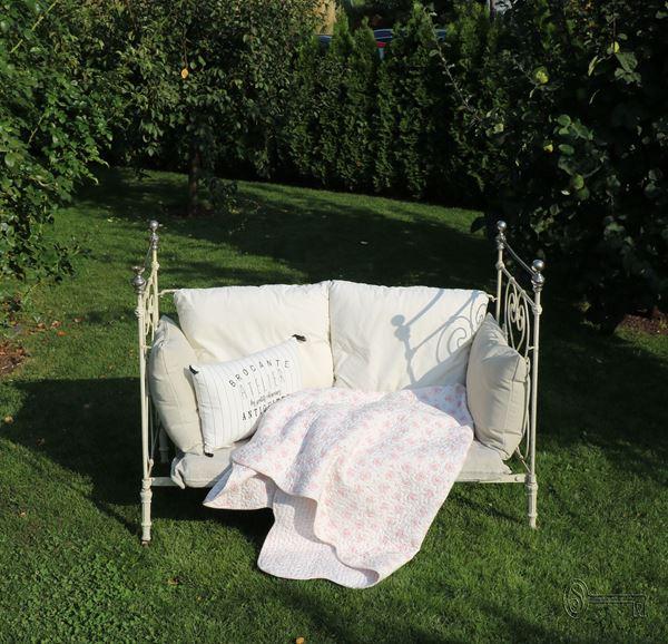 Bild von Antikes französisches Kinderbett crèmeweiss