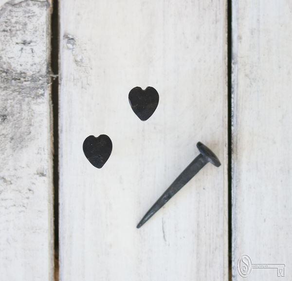 Bild von Herz-Nagel klein