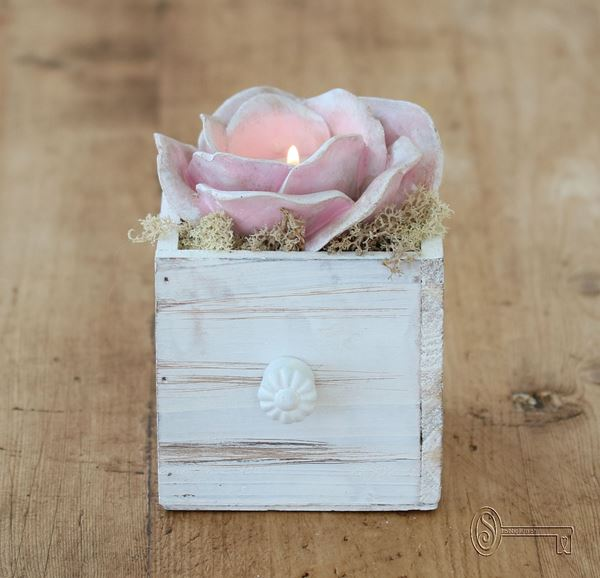 Bild von Rosenlicht rosa im Schublädli