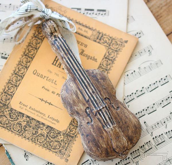 Bild von Kleine Violine aus Beton