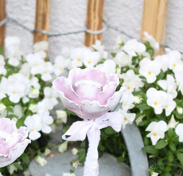 Bild von Gartenstecker Rosenlicht lilarosé