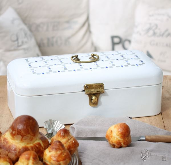 Bild von Antiker Brotkasten aus Emaille